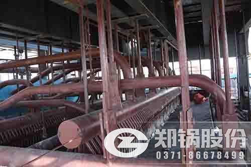 水冷漩涡内分离低速循环流化床锅炉